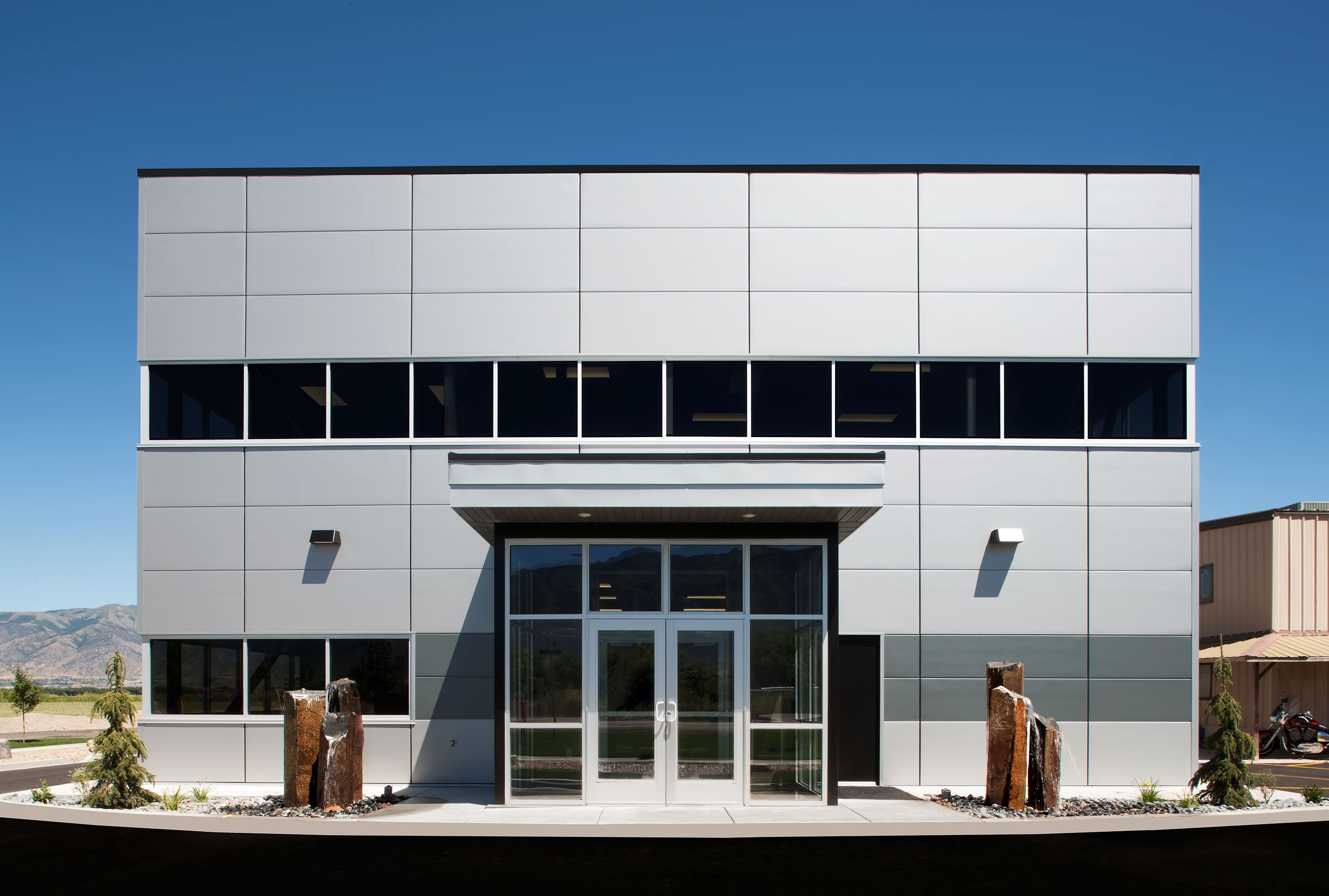 Metl Span Pioneers In Insulated Metal Panels For Wall And